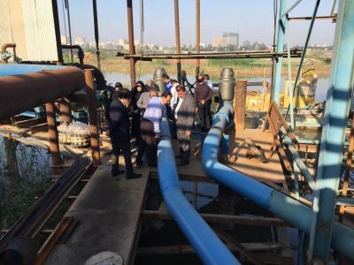 مسئولان معاونت بهرهبرداری شرکت مهندسی آبفا کشور در محل تصفیه خانه های آب کلانشهر اهواز