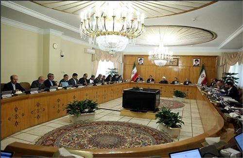 رئیس جمهوری: تلاش بیشتر برای تولید و صادرات، پاسخ قاطع به توطئههای دشمنان ایران است