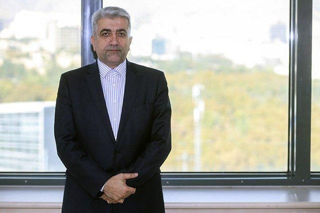 وزیر نیرو گفت: پول آب و برق مشترکان پرمصرف تصاعدی محاسبه میشود