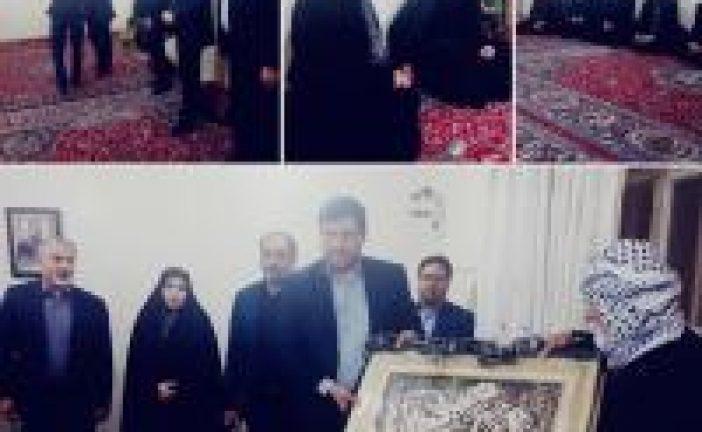 دیدارمدیرکلورزش خوزستان با خانواده شهید حمله تروریستی اهواز