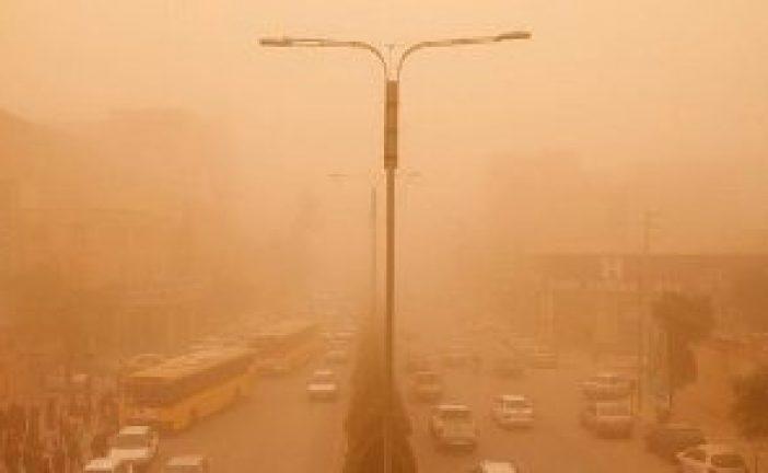 گرد و غبار ۱۳ شهر خوزستان را فراگرفت