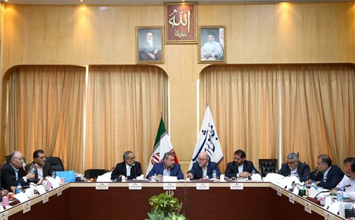 وضع فعالیتهای وزارت نفت در بخش تولید و صادرات بررسی شد