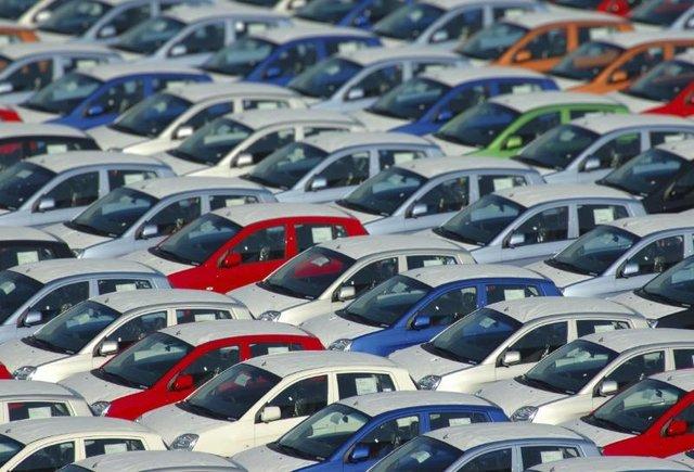 انتشار خبر افزایش قیمت خودرو توسط شورای رقابت اقدامی غیر حرفهای بود