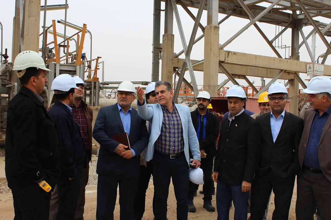بازدید جهانگیرپورهنگ از تاسیسات نفتی منطقه دارخوین