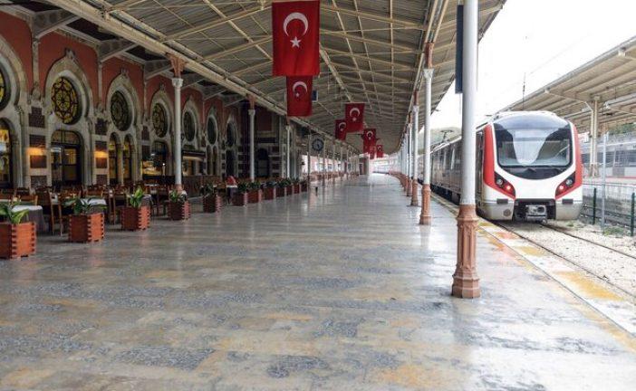 معاون وزیر راه و شهر سازی : اتصال شبکهریلی سراسری ایران و ترکیه/ راهاندازی قطار تهران-استانبول به زودی